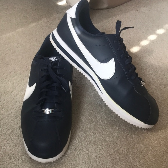 new product 36dfc 340d2 Nike Cortez Leather Sneakers Shoes. Size 14.